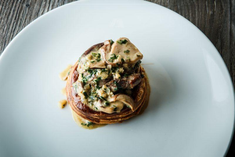 Закусочные тарталетки: жульен курино-грибной