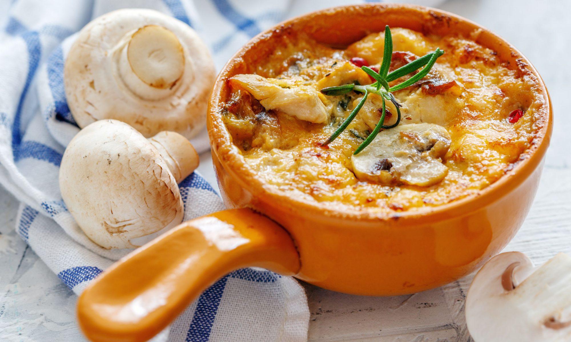 Жюльен из грибов и курицы классический рецепт