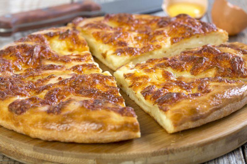 Простой рецепт пирога с картошкой в духовке из постного теста