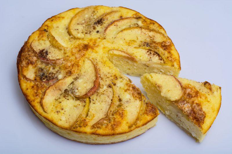 Простой рецепт запеканки с творогом и яблоками