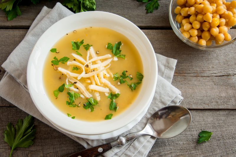 Легкий суп с чечевицей