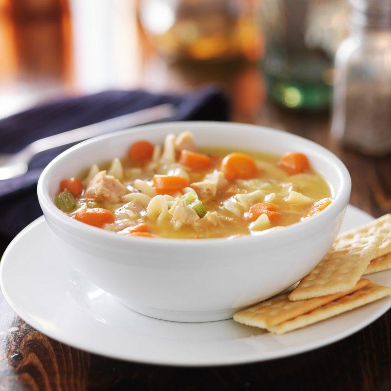 Постный гороховый суп с лапшой