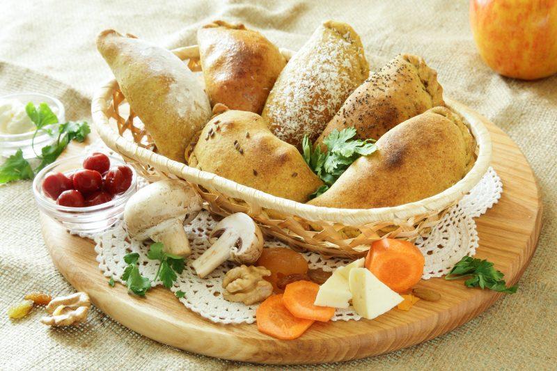 Аппетитные пирожки с грибами и картофелем
