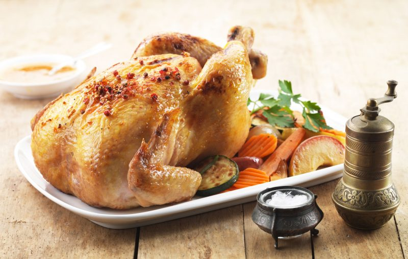 Готовим курицу, фаршированную картошкой, по классическому рецепту