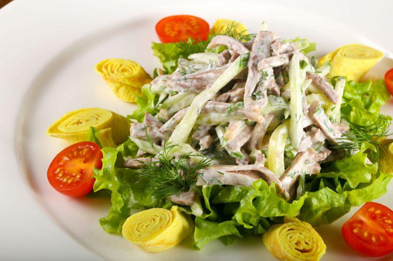 Салат с языком и овощами