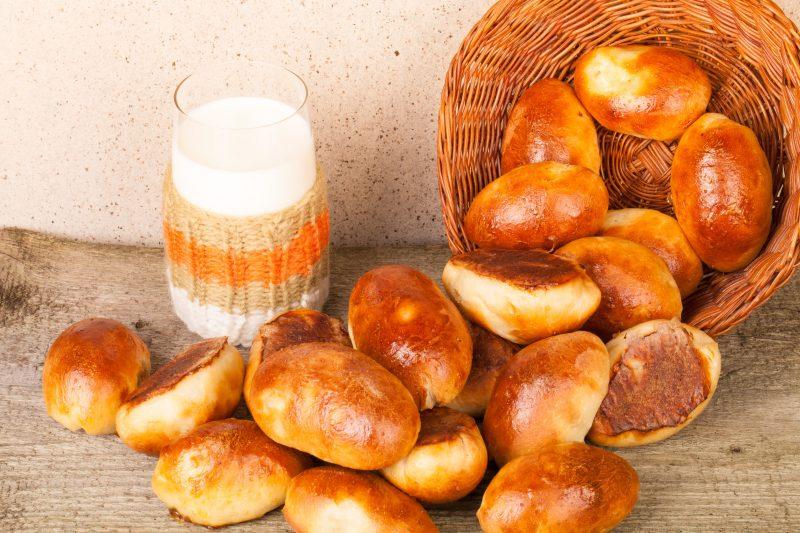 Рецепт сдобных булочек с капустно-мясной начинкой