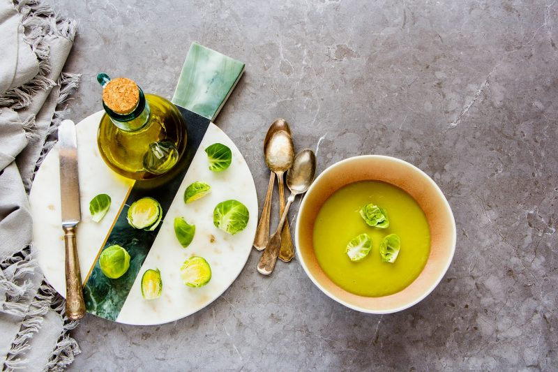 Нежные щи с капустой: рецепт на европейский манер