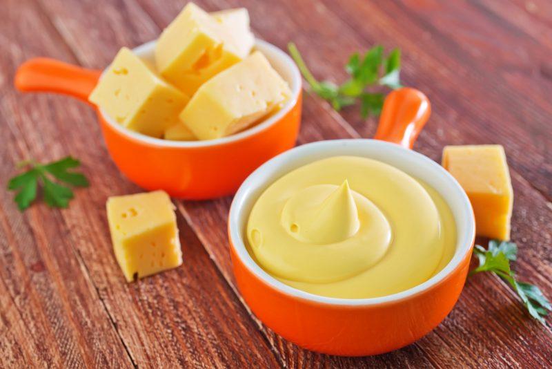 Сырный соус для креветок: рецепт для начинающих кулинаров