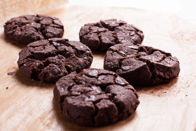 Шоколадное печенье из варенья