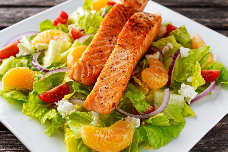 Салат из красной рыбы шеф-повара Дэнни Трэйса