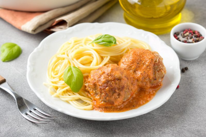 Котлеты в духовке: рецепт без яиц и картошки