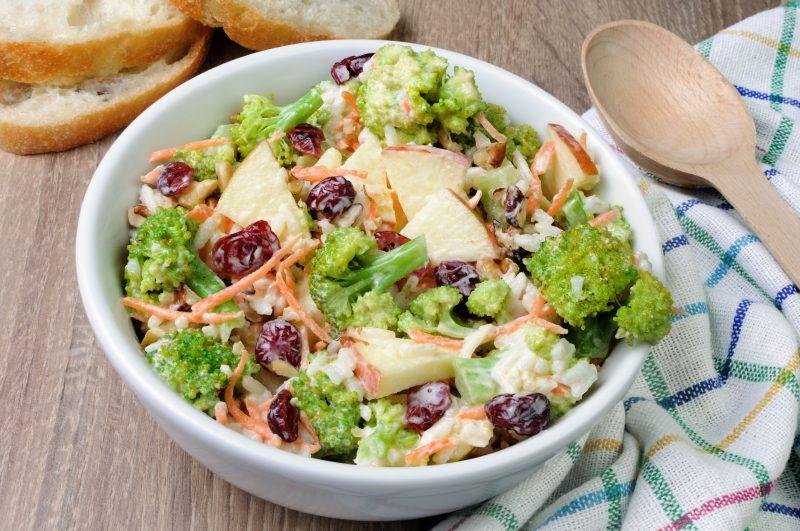 Салат из острой брокколи