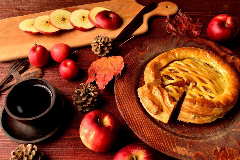 Открытый яблочный пирог из дрожжевого теста рецепт