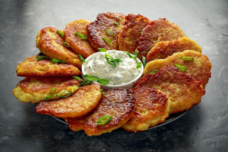 Картофельные драники с начинкой из грибов и сыра