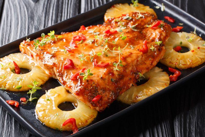 Изысканная вкусовые сочетания: форель с ананасом