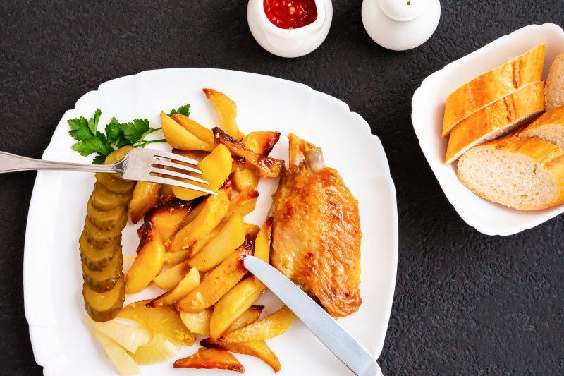 Хрустящие крылышки с ароматным картофелем