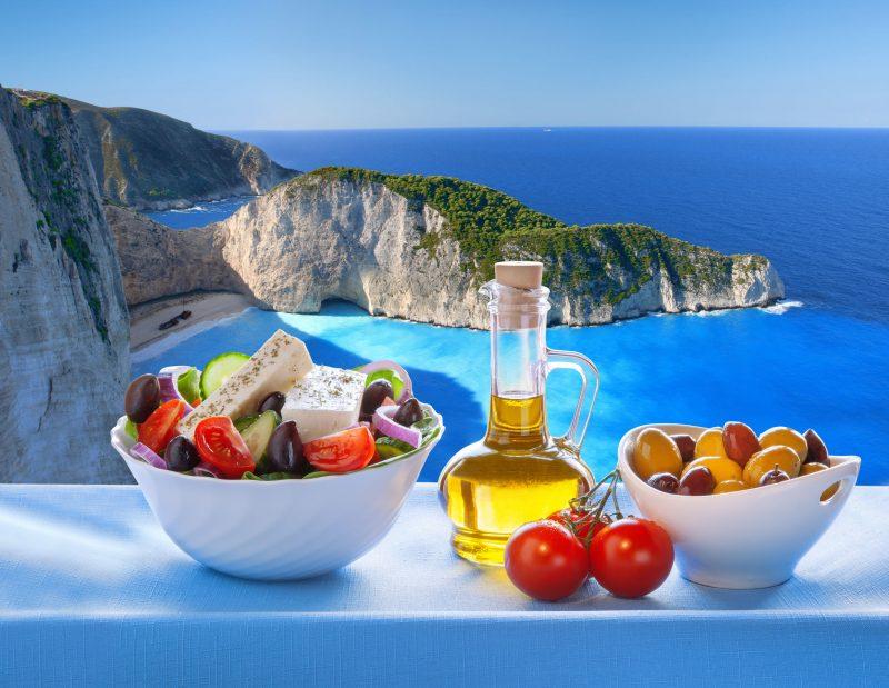 Аутентичный салат с фетаксой