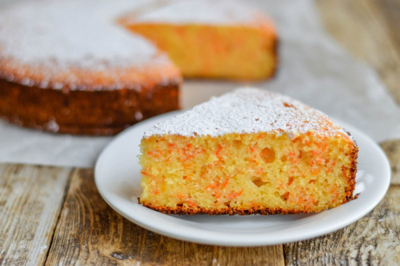 Заливной пирог с морковной начинкой