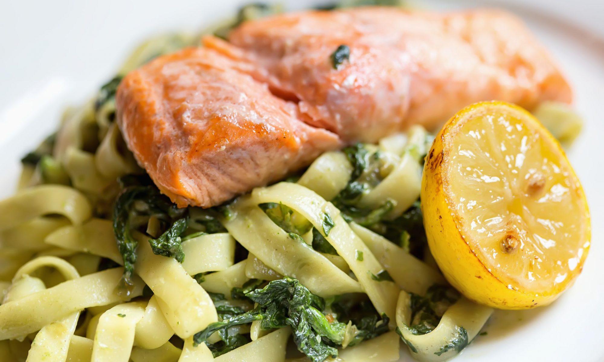 Паста с форелью в сливочном соусе: варианты приготовления