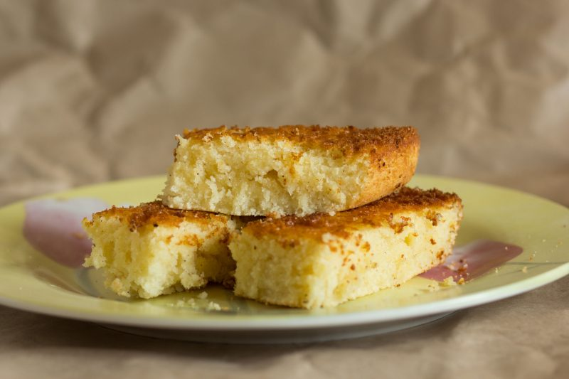Рецепт бисквита-манника на кефире в духовке