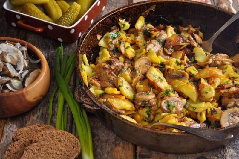 Рецепт жареной картошки на сковороде с луком