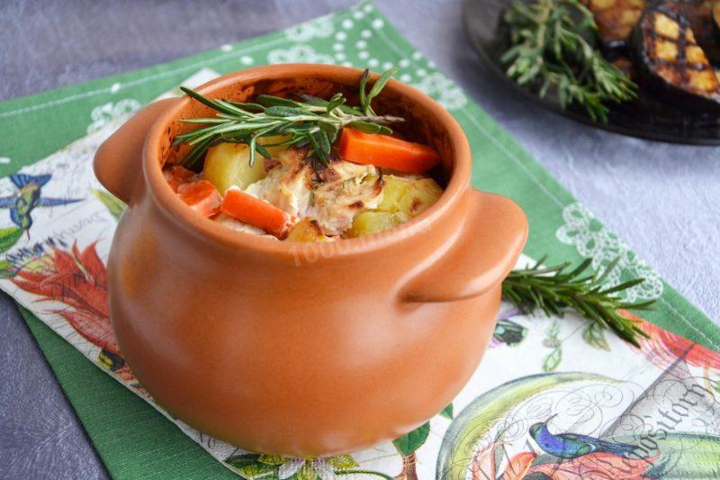 Классический рецепт: жаркое в горшочках в духовке