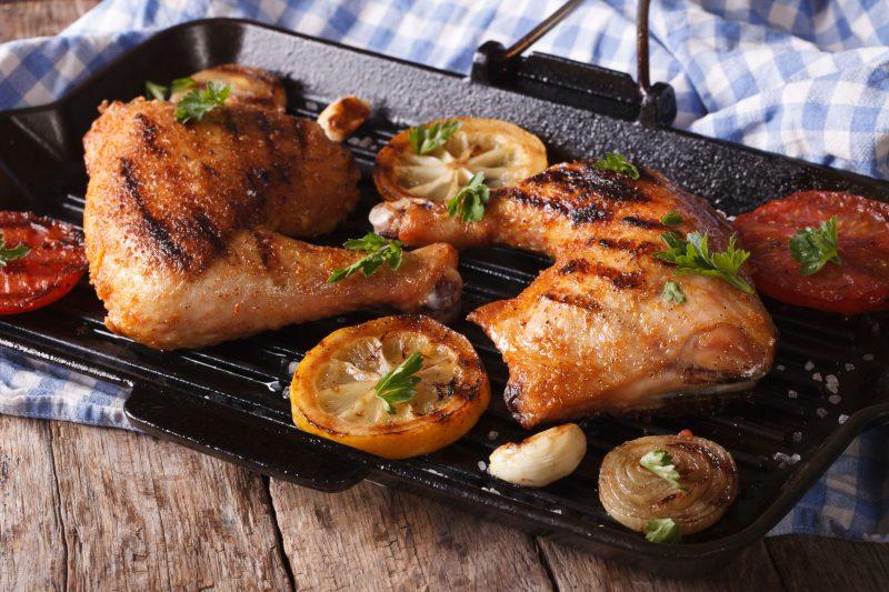 Куриные бедра без кости под соево-имбирным соусом