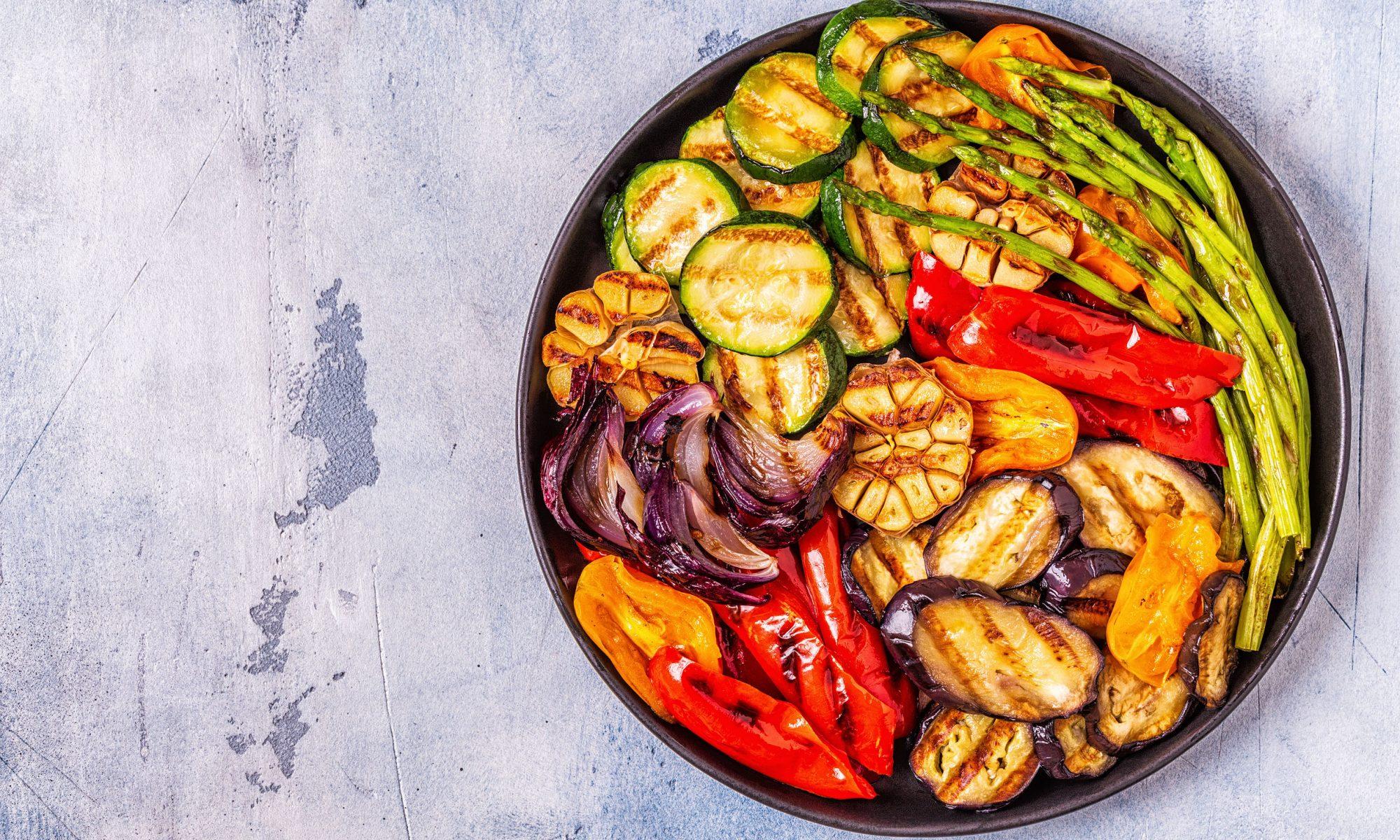 Вкусные и простые салаты с болгарским перцем