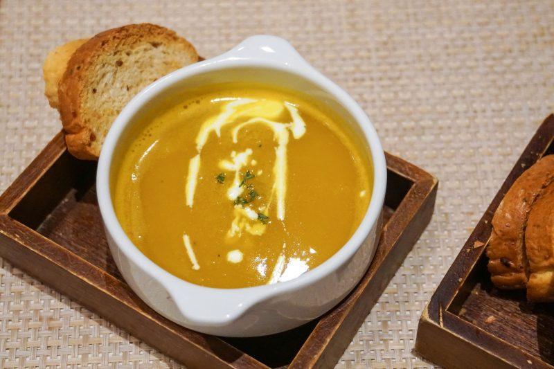 Хлебный суп с чесноком