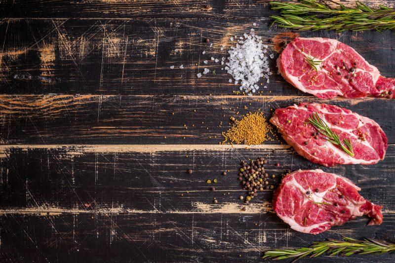 5 способов приготовить свинину в духовке