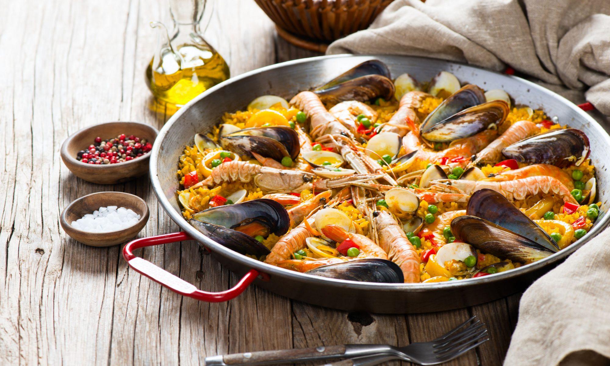 Паэлья с морепродуктами: тонкости приготовления и любимые рецепты