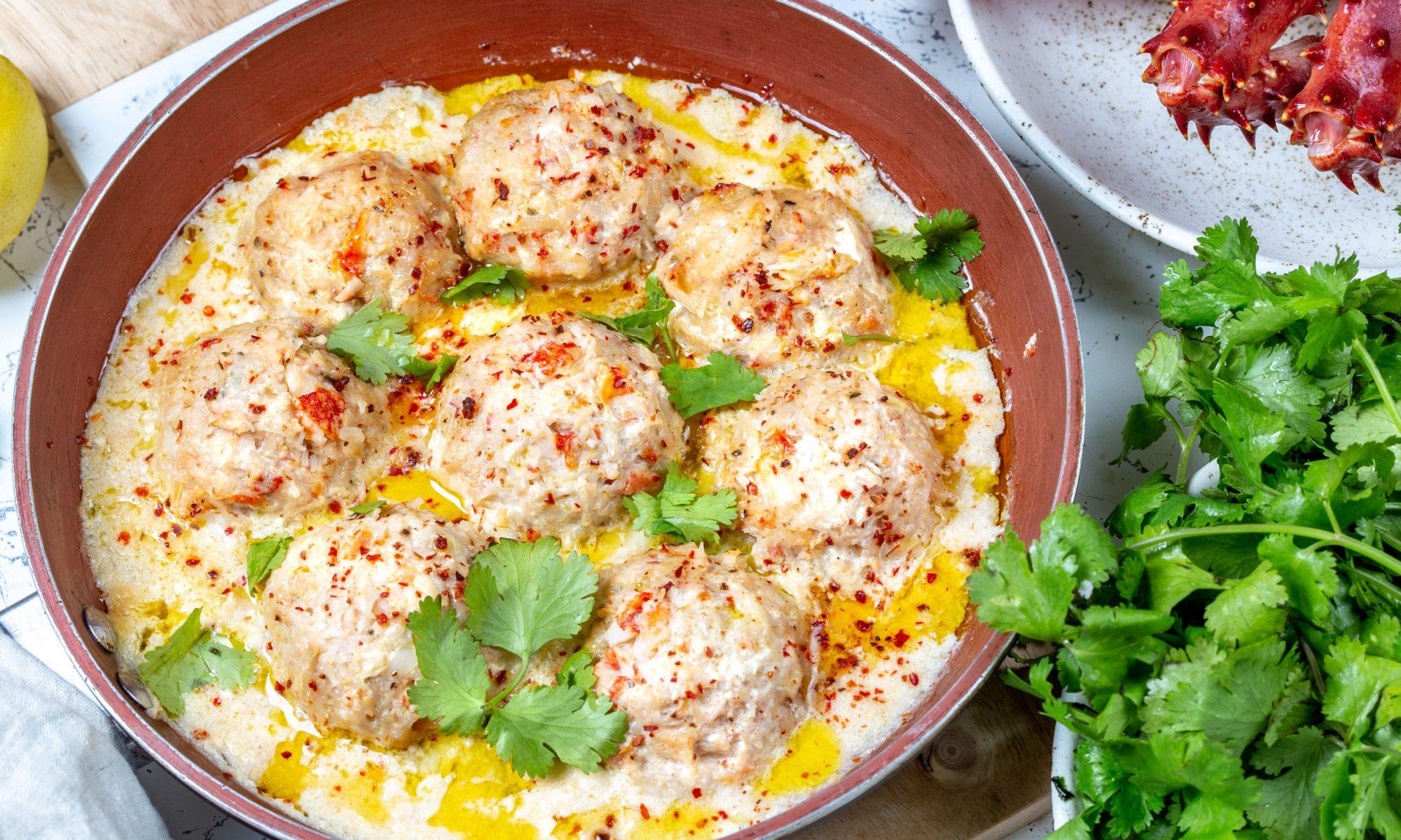 Вкусные тефтели в сметанном соусе: рецепт от Шефмаркет