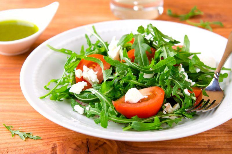 Как приготовить итальянский салат с рукколой