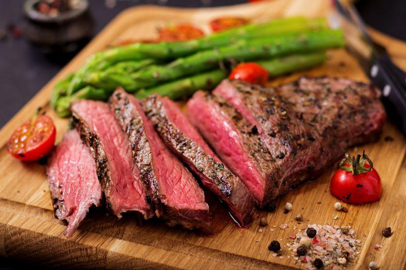 Стейк из говядины: тонкости приготовления