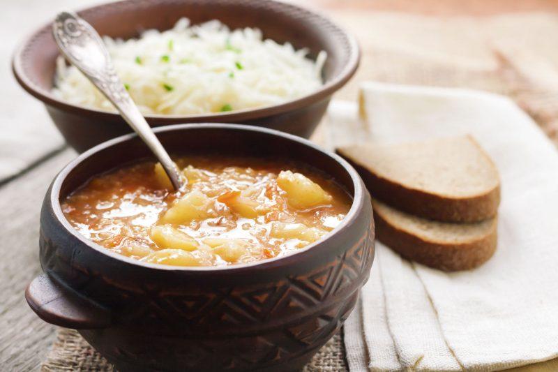 Куриный суп с капустой и манкой