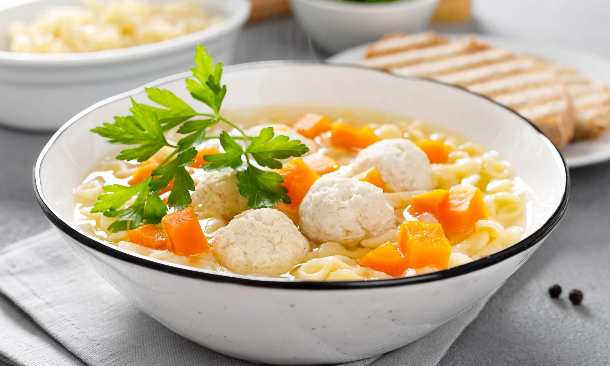 Суп с фрикадельками: рецепт от мамы