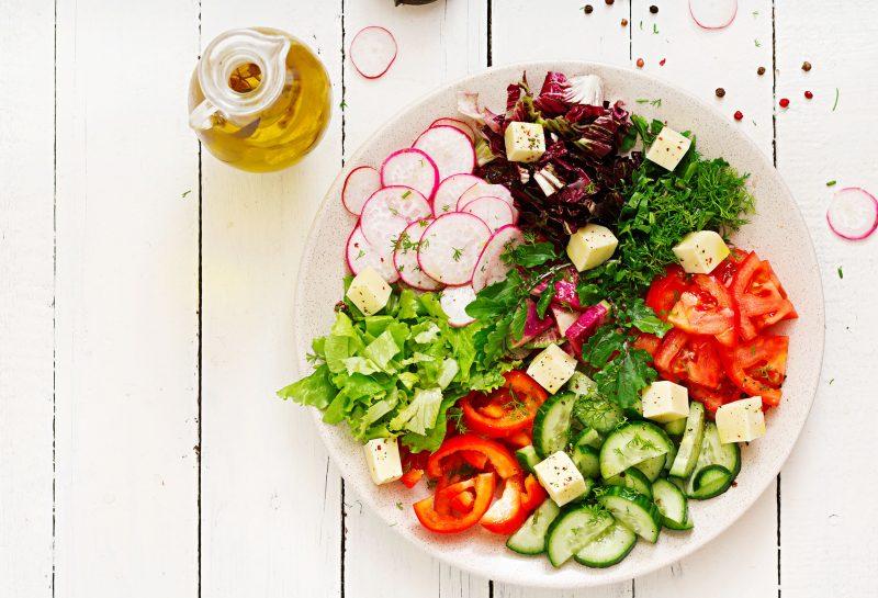 Освежающий салат из овощей
