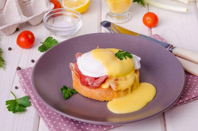 Яйца Бенедикт: готовим завтрак вместе