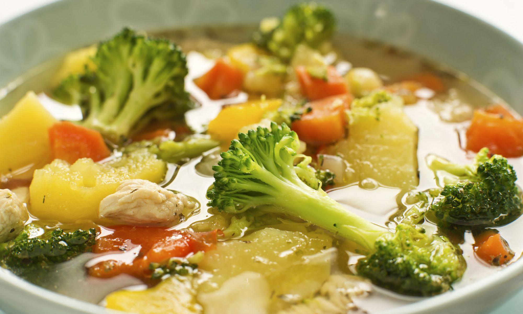 Суп из консервированного тунца и овощей