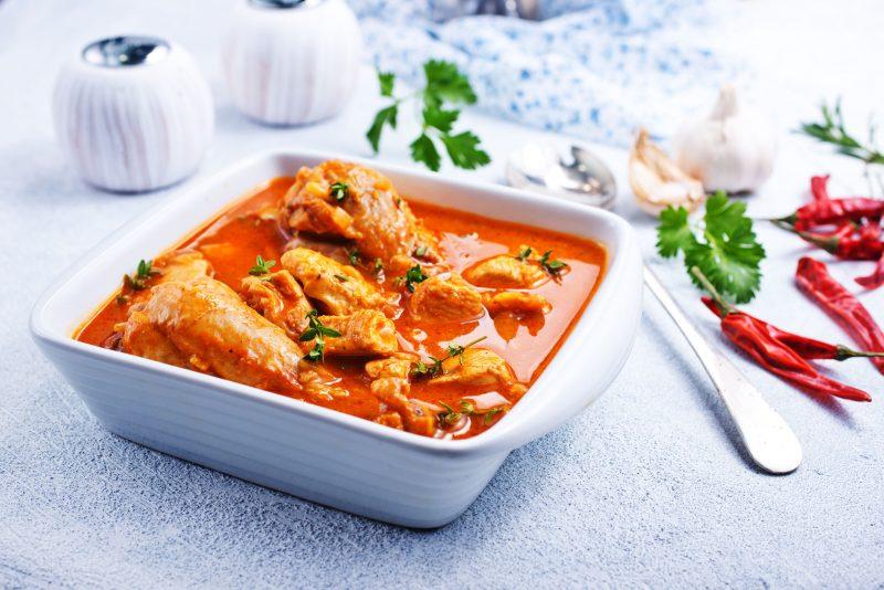 Курица в томатном соусе: рецепт