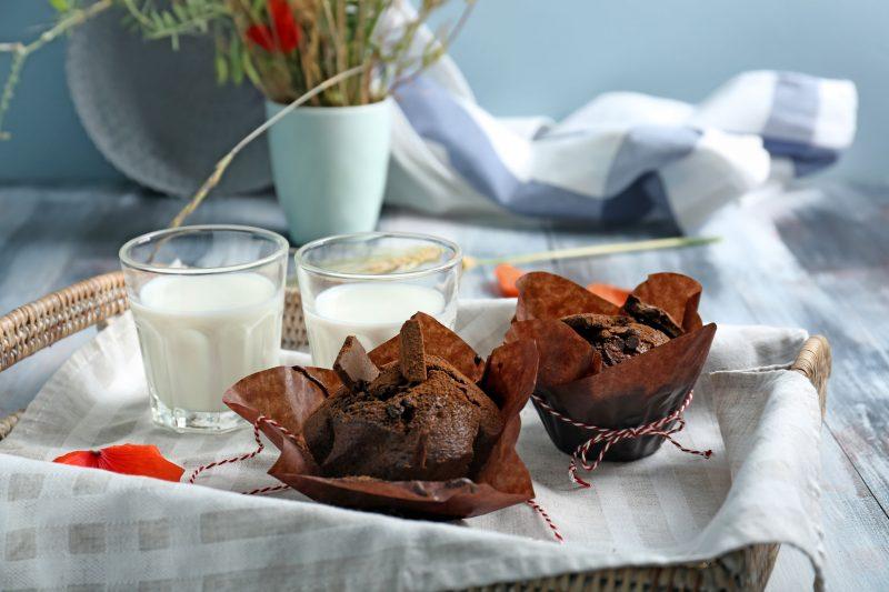 Шоколадные маффины с кокосом