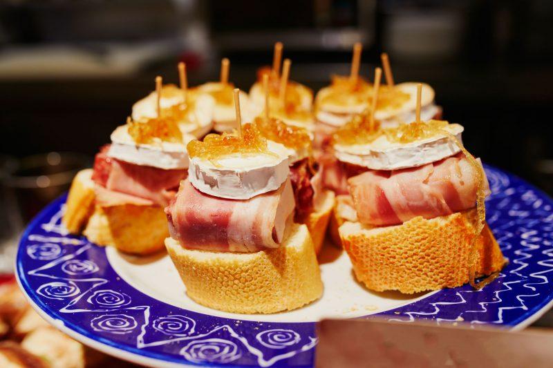 Испанские пинчос: самый вкусный рецепт