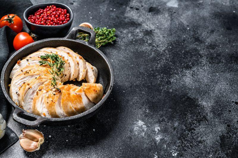 Золотистая индейка на сковороде