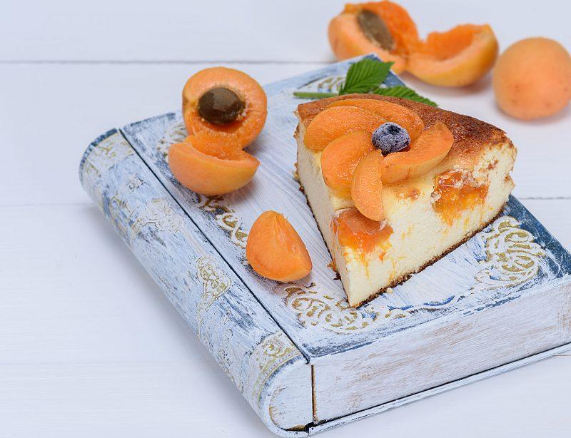 Домашний пирог со свежими фруктами