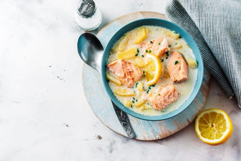 Норвежская уха со сливками: рецепт из стейков семги