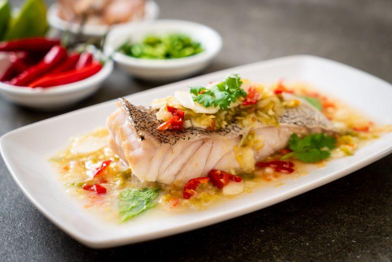 Запечённая рыба по-гречески