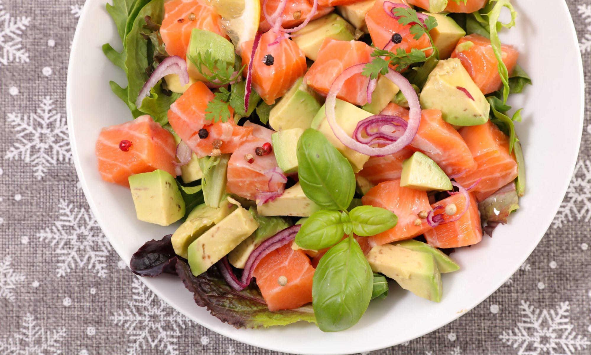 Салат с семгой и авокадо: самые вкусные рецепты