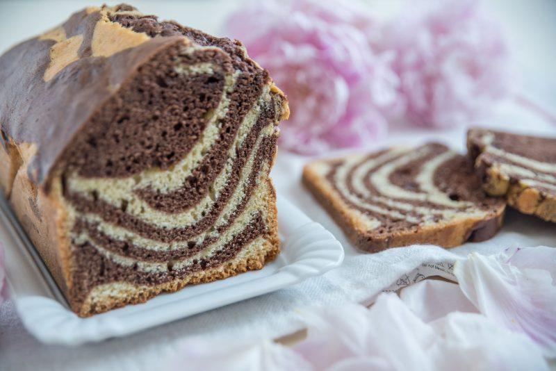 Мраморный торт: быстрый десерт к праздничному столу