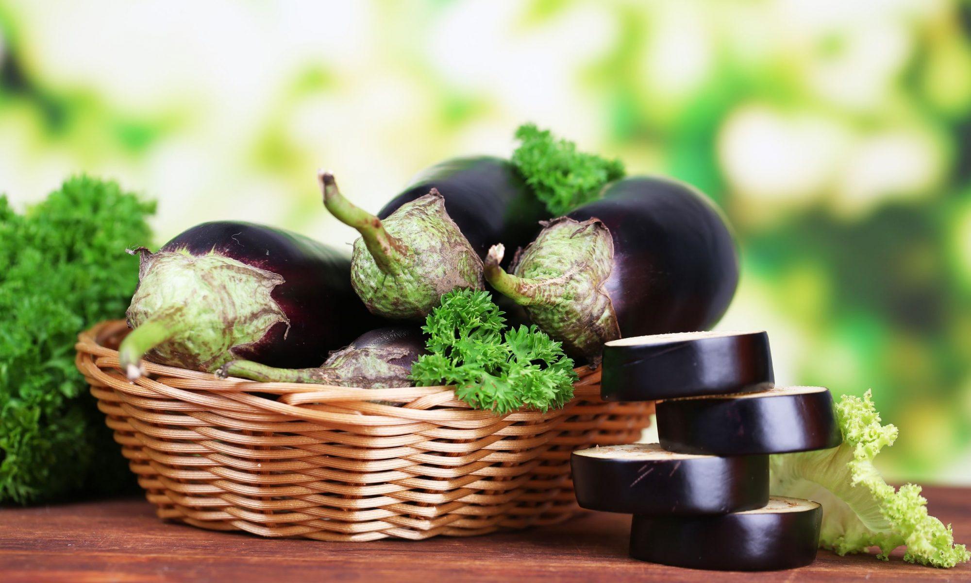 """Праздничный салат: """"салат из запеченных баклажанов"""""""