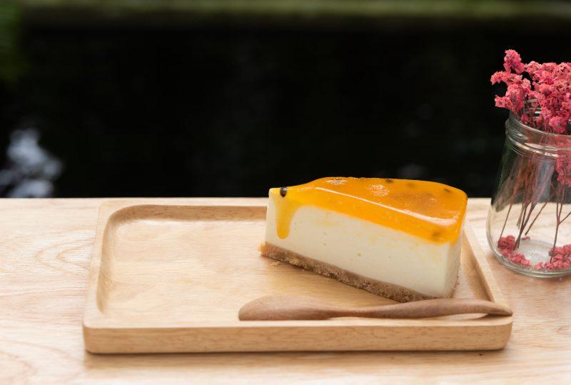 Изысканный чизкейк с манго